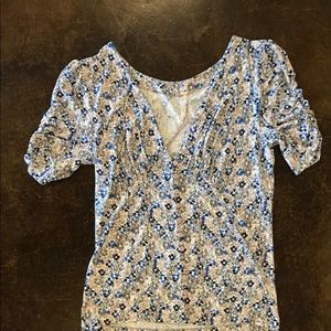 Free People silky floral top with cute buttons!
